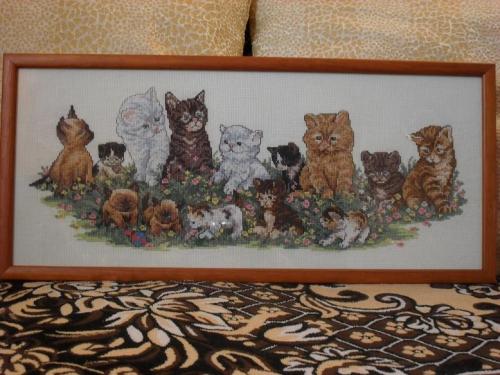 """Картина вышитая """"котята на лужайке"""""""