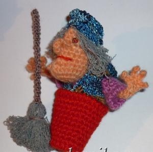 Баба Яга, кукла для пальчикового кукольного театра