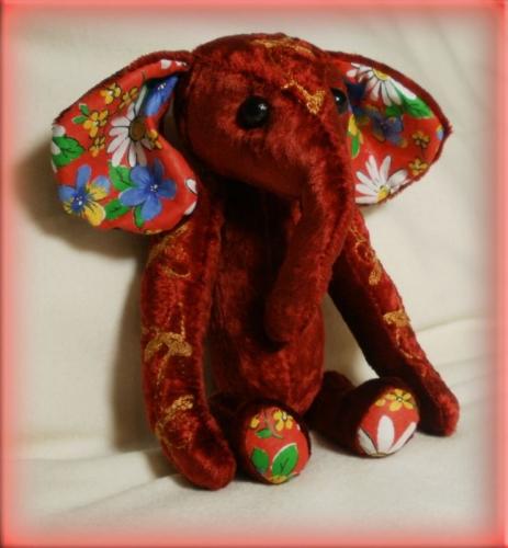 Плюшевый  слоник  Руди