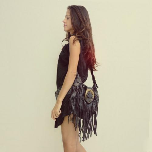 сумка из натуральной кожи с бахромой