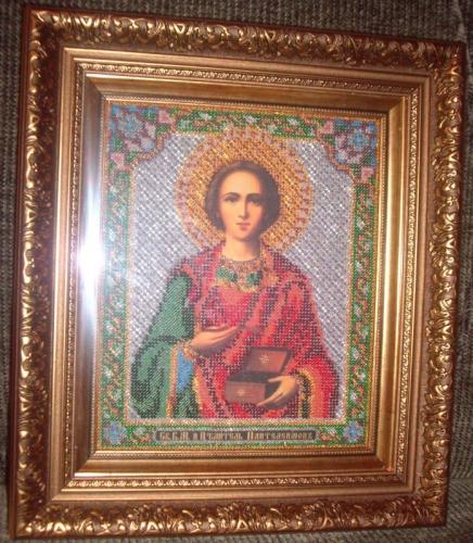 Икона вышитая бисером (Св. В.М. и Целитель Пантелеимон)