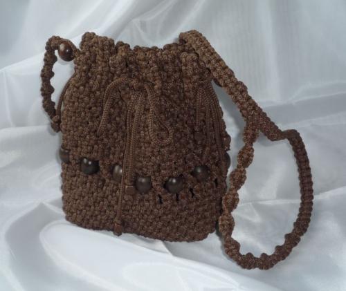 Плетеная женская сумка на длинном ремешке
