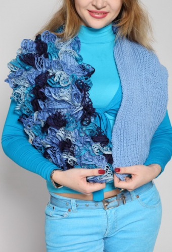 """Вязаный теплый нарядный шарф с рюшами """"Зимняя фантазия"""""""