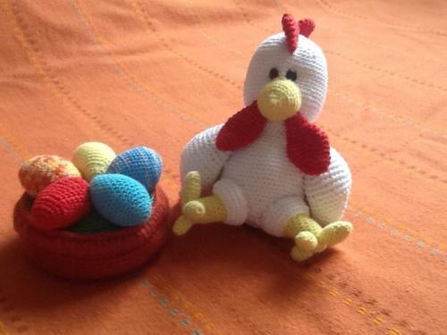 Вязаная игрушка Пасхальный цыпленок