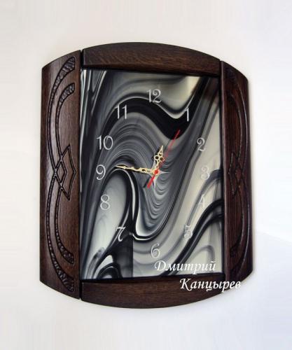 Часы настенные деревянные витражные в современном стиле