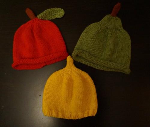 детские вязаные шапочки серии фруктовый микс