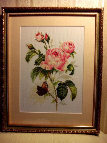 Вышитая картина Роза и бабочка