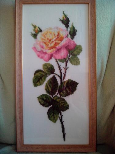 Вышитая картина Чудесный цветок
