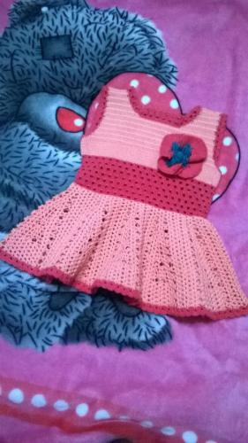 вязаное платье для малышки